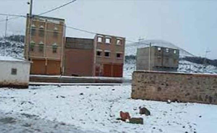 الثلوج تحاصر سكان القرى بتارودانت وتهددهم بالجوع