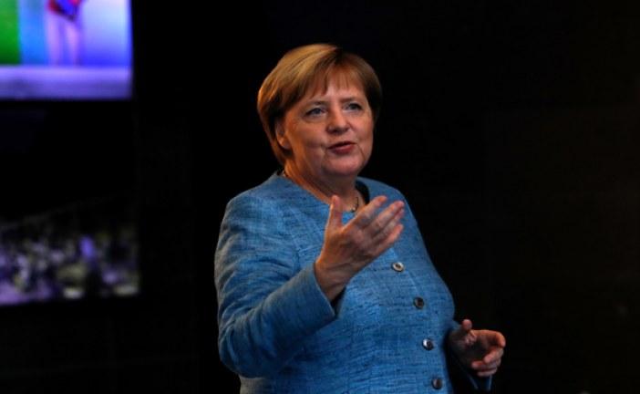 المستشارة الألمانية أنغيلا ميركل تشيد بالمظاهرات الأسبوعية التي يقوم بها التلاميذ من أجل حماية المناخ