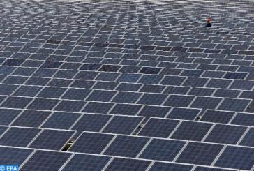 لا عيش في الظلام بعد اليوم: كيف تساعد الطاقة الشمسية اليمنيين على مزاولة حياتهم