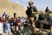 الانقلاب في مالي يختبر الانخراط العسكري الفرنسي بالساحل الإفريقي