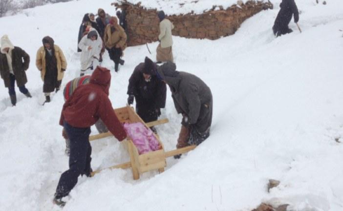 ثلوج في المغرب تحاصر قرى دون خسائر