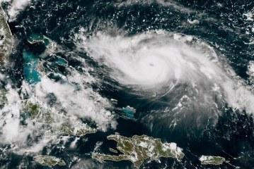 المركز الوطني الأميركي للأعاصير: إعصار دوريان يشتد وينتقل إلى الفئة الرابعة